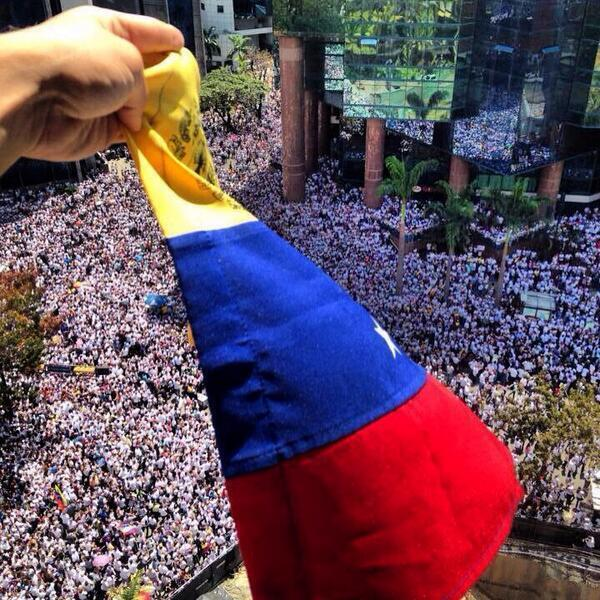 RT @IdaniaChirinos: Que orgullosa me siento de ser VENEZOLANA,!   http://t.co/Gmd5toKGXN