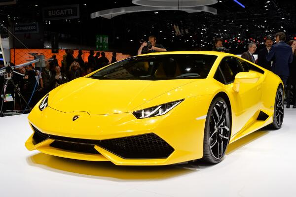 Full details on the new Lamborghini Huracan from the Geneva motor show: http://t.co/2kZHWG3irH #genevamotorshow http://t.co/Uk5WOKWnbV