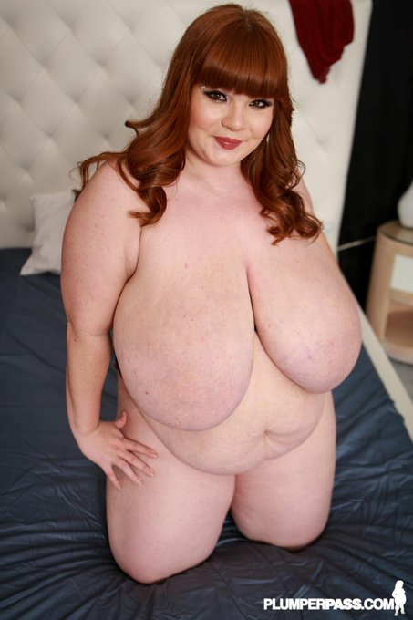 Check it out- I'm in 4 of the top 5 updates on PlumperPass right now! http://t.co/FSPLuNXk67 http://t