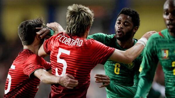 Bh 5q9JCMAAy5ZI Alex Song & Fabio Coentrao staged a Barcelona Real Madrid friendly fight during Portugal Cameroon