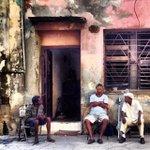 """RT @Yusnaby: #Cuba, un país donde """"la espera"""" se hizo eterna, el conformismo se hizo soldado y la rabia murió presa. http://t.co/bTGyFtKbHN"""