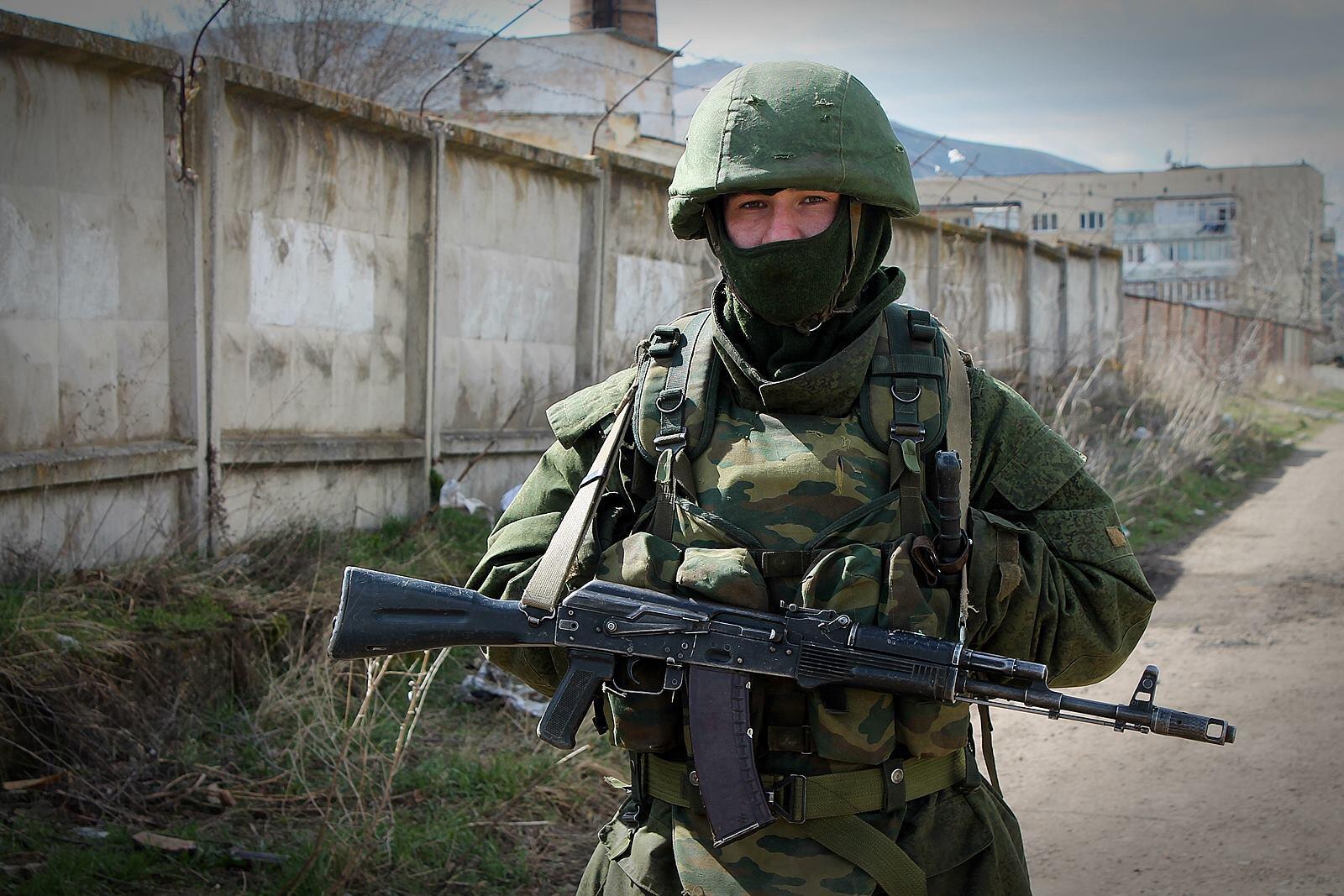 Soldier ready for war? Sunday's Crimea referendum a key moment for whats next. Photo by @wojciechkozmic http://t.co/UzIHmXBGof