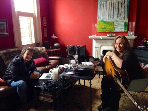 Barry Walsh (@barelywashed): They're at it again. A peek behind the curtain as @marygauthier_& @gretchenpeters craft another gem of a song. http://t.co/vFxVdq4c13