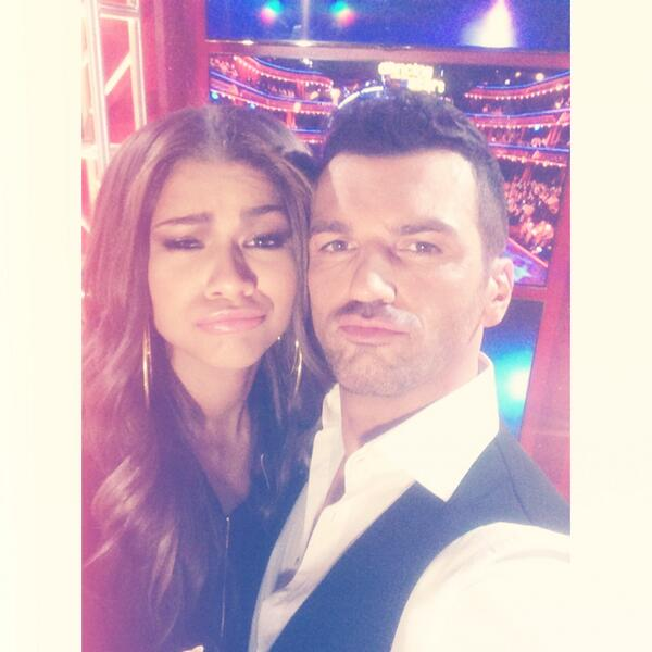 #Selfie with @Zendaya last night. So good to see you. #TeamTonNene #Zendaya #dwts #dancing #dancingwiththestars http://t.co/sZKRo902qK