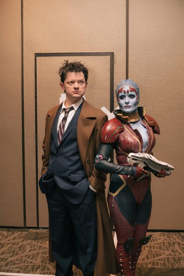 @rana_mary check out this picture @thejedi took! The Doctor and Samara, reflecting on things. http://t.co/FNFHK921kO