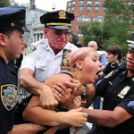 RT @dailydot: #MyNYPD hashtag campaign backfires horribly: http://t.co/yqhzwh1oln http://t.co/2LpPuRdRT4