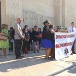 Medicaid expansion press conference on the Capitol steps http://t.co/P97vQou1Ck