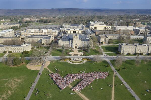 Those who took part in the 3.2 Run in Remembrance formed a VT on the Drillfield. #hokies #virginiatech http://t.co/fDLYEeJeBF