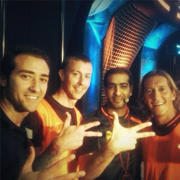 RT @dubaitv: A Star guest for tonight on #thevictorious @GUTY14HAZ photo shared by @JMuntasser w/ @TheRealSalgado 1830GMT http://t.co/UnbNhT54jn
