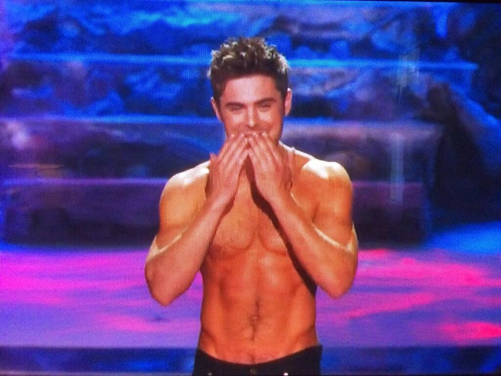 RT @eonline: Bless you, Rita Ora, for giving us Shirtless Zac Efron. #MTVMovieAwards http://t.co/RJMdPA2tMV