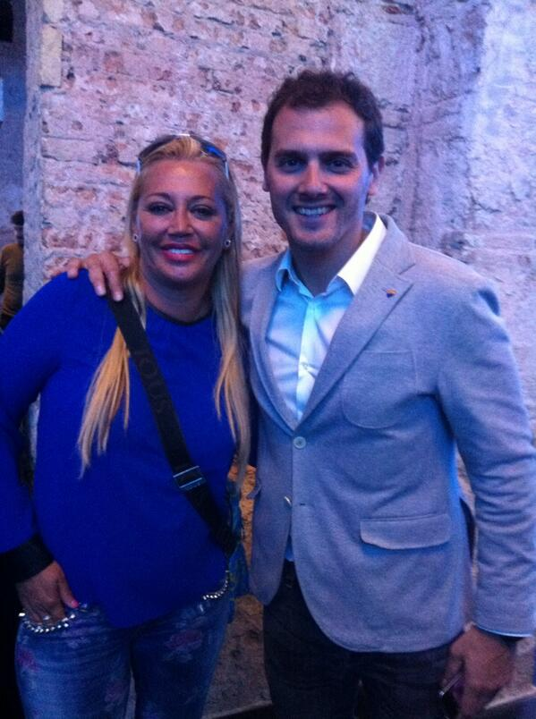 Charlando con @Albert_Rivera de todo un poco, me dio buen rollo. http://t.co/SzbPwcIyxo