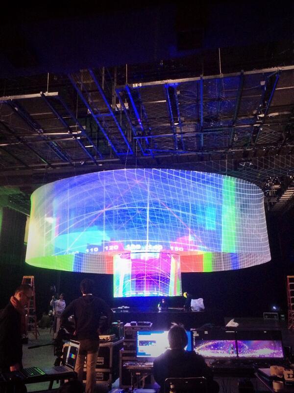 BUMP OF CHICKENのMVは現場設営中がエヴァっぽかったのが楽しかったです http://t.co/bGWZuDDV9l