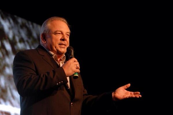O esporte brasileiro deve muito ao Luciano do Valle. Descanse em paz meu amigo! http://t.co/goBpwpQo68