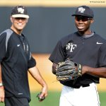 RT @NCAA: In 2011, Wake Forest coach Tom Walter donated a kidney to outfielder Kevin Jordan. #throwbackthursday #ThanksCoach http://t.co/NaqXnE0X39