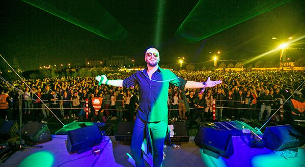dun Bilkent'teki nefis gece icin herkese cok tesekkur ederim! seviyorum! daha yeni kendime geldim ;) #bilkentmayfest http://t.co/Iz8M9QogJw