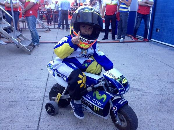 RT @YamahaMotoGP: Our youngest and cutest fan!  #MovistarYamaha #MotoGP http://t.co/mbQq3AxJmB