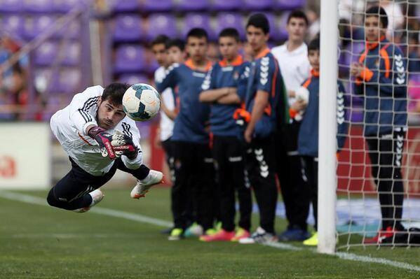 Casillas, titular en partido de Liga 473 días después http://t.co/QZ2gIp6RbU