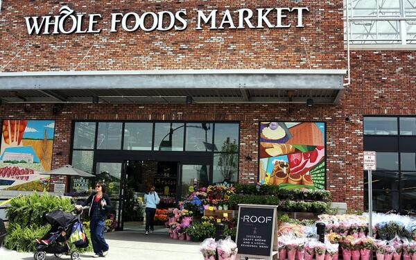 Whole Foods Is Getting Its Organic Lunch Eaten http://t.co/TmF5l5YbwJ http://t.co/tGuuHkjXWT
