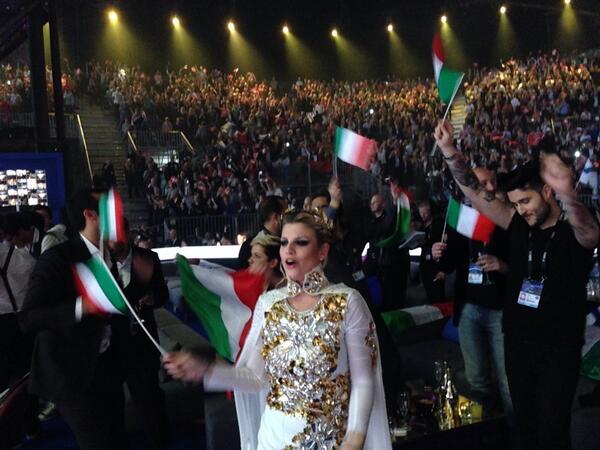 @NicoSavi @RaiDue solo per voi dalla green room! GO #EMMA GO #ITALIA!! #EMMA #ESCita #SacroMarroneImpero #Eurovision http://t.co/LKOLTy3Iqk