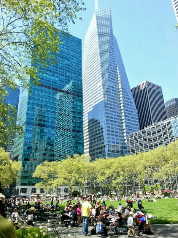... @BryantParkNYC #BryantPark #NYC http://t.co/U5leERpVRk