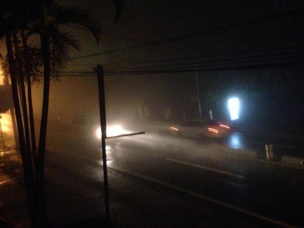 Neblina Densa y lluvia por Redondel Masferrer, por favor con cuidado los que andan por aquí. #YoTeCuido http://t.co/B8025EPx9s