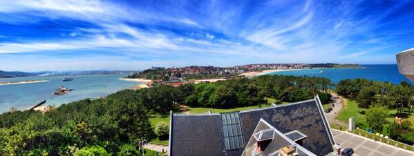 Espectacular vista de #Santander desde lo alto del Palacio de la Magdalena #eventolab http://t.co/ajF3A4fTs5