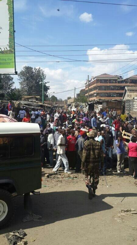 Security agencies having a hard time controlling huge crowds at the scene of the Gikomba explosions.@K24Tv http://t.co/shMXwK8AFZ
