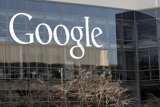 Google passerar Apple och blir världens mest värdefulla varumärke http://t.co/5GoUMlTBqo http://t.co/s41mHnPVEe