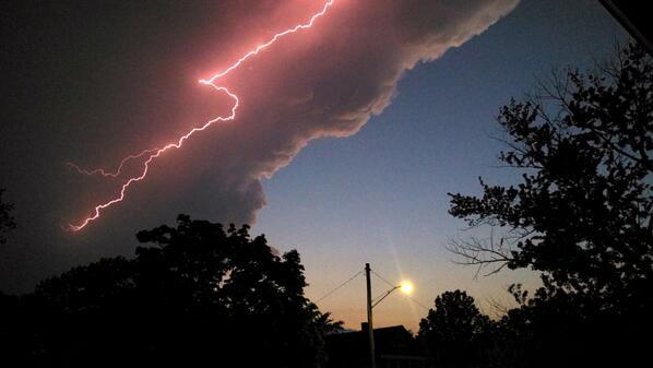 Awesome lightning bolt inside a huge Cumulonimbus cloud yesterday evening in Lakewood, Ohio @spann #lightning http://t.co/C1wZIA4vPU