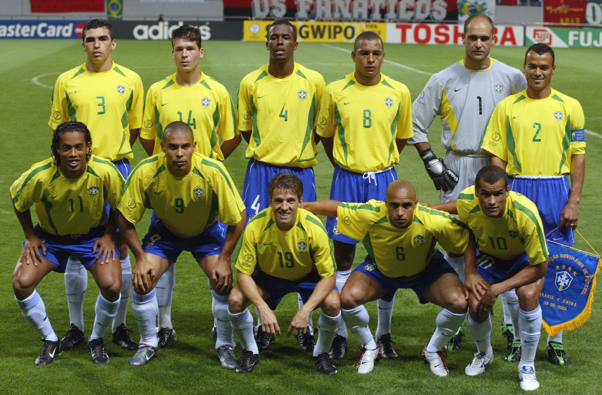 Ronaldo, Ronaldinho, Rivaldo, Roberto Carlos, Cafu, Gilberto Silva, Lucio … Brazil's 2002 WC team = Legendary! #tbt http://t.co/9BikO2luL2