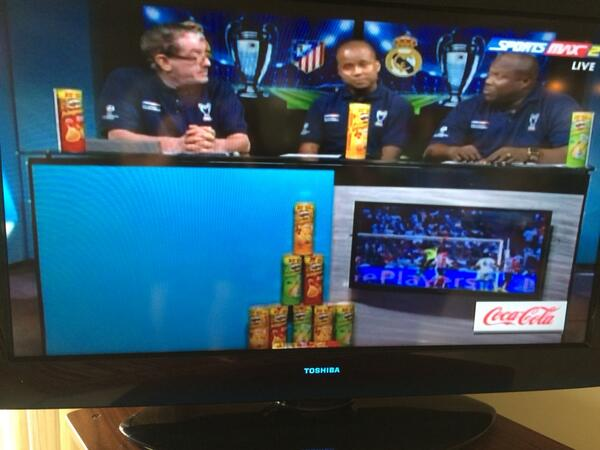 Do you get impression that #uefa champions league final in Caribbean is being sponsored by #Pringles http://t.co/ql4ATbQVex
