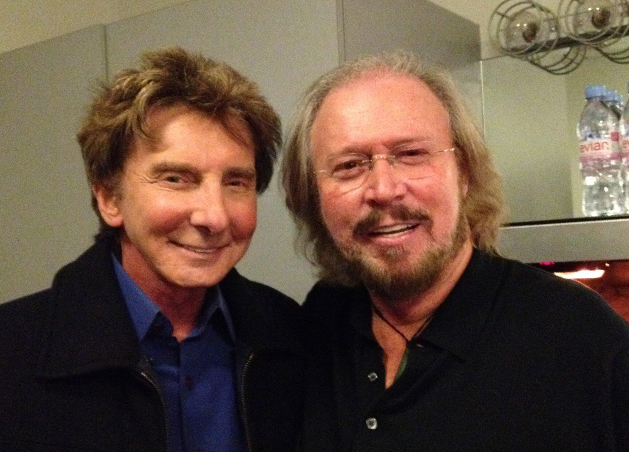 RT @barrymanilow: Barry Gibb's show at the Hollywood Bowl last night was fantastic!  What a fantastic songwriter! http://t.co/RsT2xej8Ul