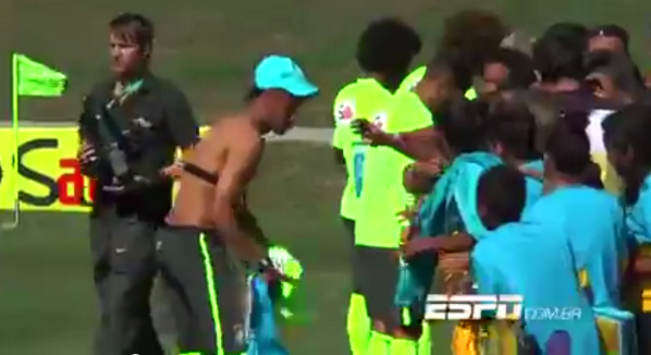 BpZNyAhCAAAFM4Z Legend! Neymar takes the shirt off his back to give to a kid at Brazil training [Video]