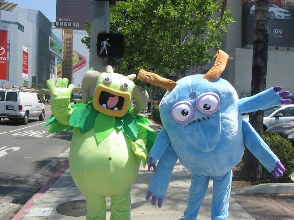 Even MORE @SingingMonsters came out to play at @E3: Entbrat & Bowgart made an appearance! #MySingingMonsters #E32014 http://t.co/vidA1ZRcK0