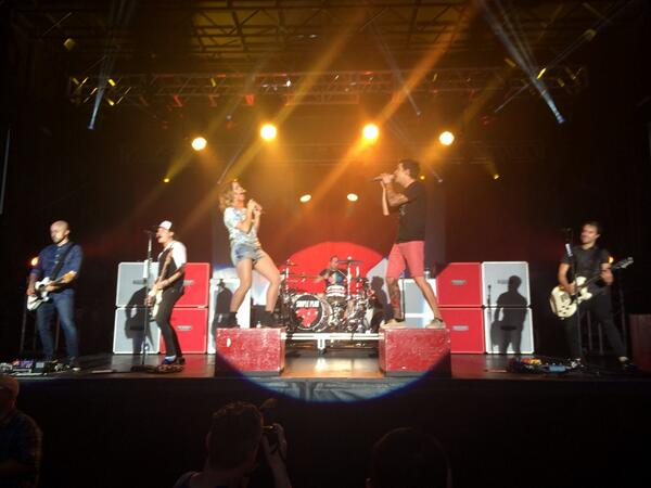 #throwbackthursday #tbt to @andeeofficial & @simpleplan on #CanadaDay in #Brampton! #concert #toronto #jetlag http://t.co/KTYtrMMKjD
