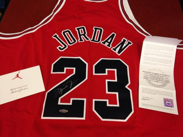 Last chance to win this signed MJ jersey. RT this or tweet #RBCDonald to be entered. Winner picked tmr. #MJ #23 http://t.co/Id2RnfTBd8