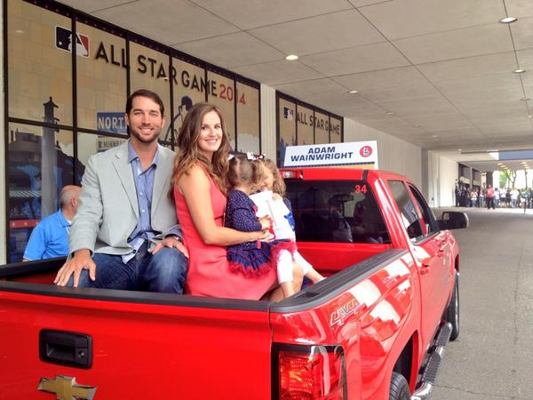 National League starting pitcher Adam Wainwright and family about to drive down the Red Carpet route. http://pic.twitter.com/rD99MWeqVa