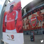 RT @Arsenal: Look whos up outside Emirates Stadium... http://t.co/RTZX4sPb7S