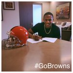 RT @Browns: BREAKING: Browns sign first-round draft pick DB Justin Gilbert. http://t.co/ntkFjKwjk5