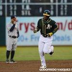 Cespedes smashes #Athletics past #Astros http://t.co/FTQdWo3lYQ #AsTalk #MLB @LeskiwSFBay Photos by @GodoVasquez http://t.co/RQt9ZhN4HN