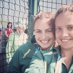 RT @g1: ROYAL PHOTOBOMB: Rainha Elizabeth II invade selfie de jovens australianas http://t.co/Ag7FIftBCE #G1 http://t.co/csXDroCmsV