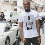 RT @BallinInHD: Kanye West wearing a shirt of himself wearing a shirt of himself. http://t.co/NeD9UIrMq5