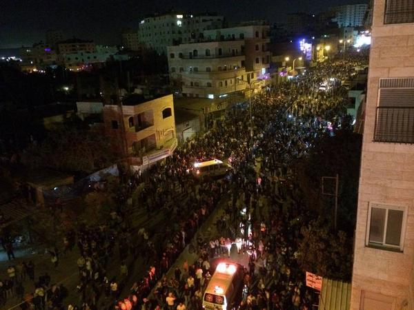 Largest protest in decades taking place in West Bank as thousands of Palestinians protest Israeli massacres in #Gaza http://t.co/dWSfuViYba
