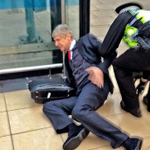 Arsene Wenger hears the news Didier Drogba has returned to Chelsea... http://t.co/g4TTcY5Lda""
