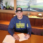 RT @TennesseeTitans: First-rounder @TaylorLewan77 signing his contract! #TitanUp http://t.co/IFEocPAolJ