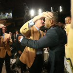 Jim Kelly embraces Andre Reed. http://t.co/85qc9PRr1u