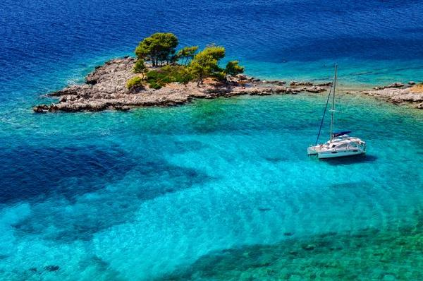 This beautiful small island is called Sikirica! #Croatia #travel pic: A.Gospić http://t.co/RGFVYSpypW