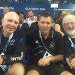 RT @britishroyals: Prince Harry photobombs NZ #CommonwealthGames team (via @MasseyUni) #Glasgow2014 http://t.co/NkdjEKlbFo http://t.co/OW50Hb9EPO