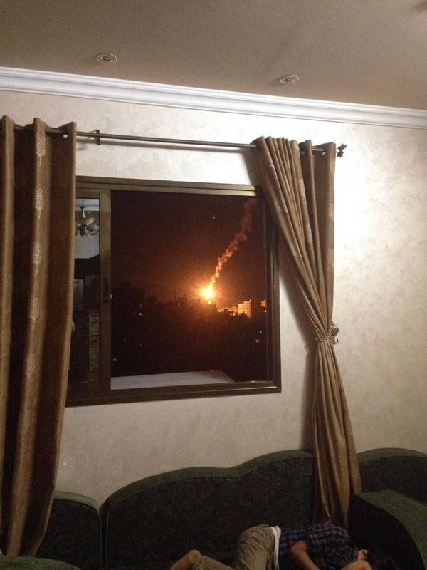 Suha Najjar took this photo from her home in #Gaza tonight. Absolutely chilling. http://t.co/SQGBbmAAcE