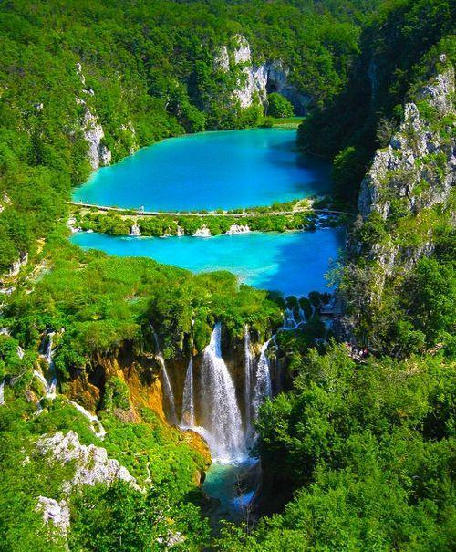 RT @NaturPictures: Los lagos de Plitvice, Croacia http://t.co/kh5NPjhADi